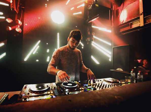 Crankdat performing live